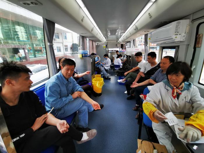 川维化工:两百余名职工参加义务献血